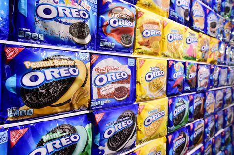 Oreo, Snack, Product, Cookie, Cookies and crackers, Food, Junk food, Convenience food, Finger food, Vegetarian food,