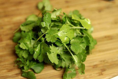 Food, Leaf vegetable, Coriander, Vegetable, Ingredient, Plant, Dish, Herb, Produce, Chervil,