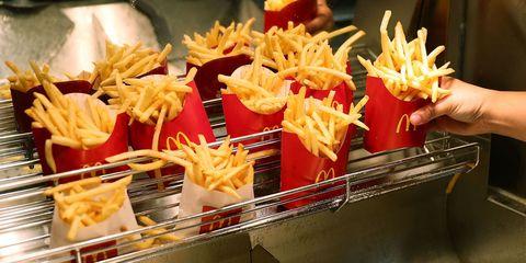 Junk food, Food, Dish, Fast food, French fries, Cuisine, Fried food, Side dish, Ingredient, Street food,