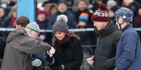 Knit cap, People, Beanie, Winter, Snow, Freezing, Crowd, Headgear, Bonnet, Ice,