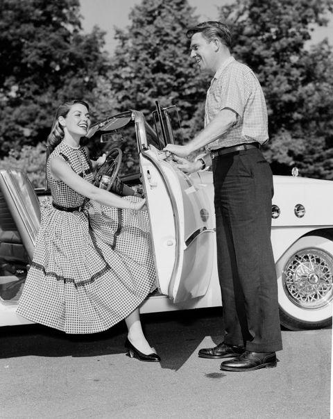 Photograph, Motor vehicle, Classic, Retro style, Vintage clothing, Black-and-white, Fashion, Vehicle, Photography, Vintage car,