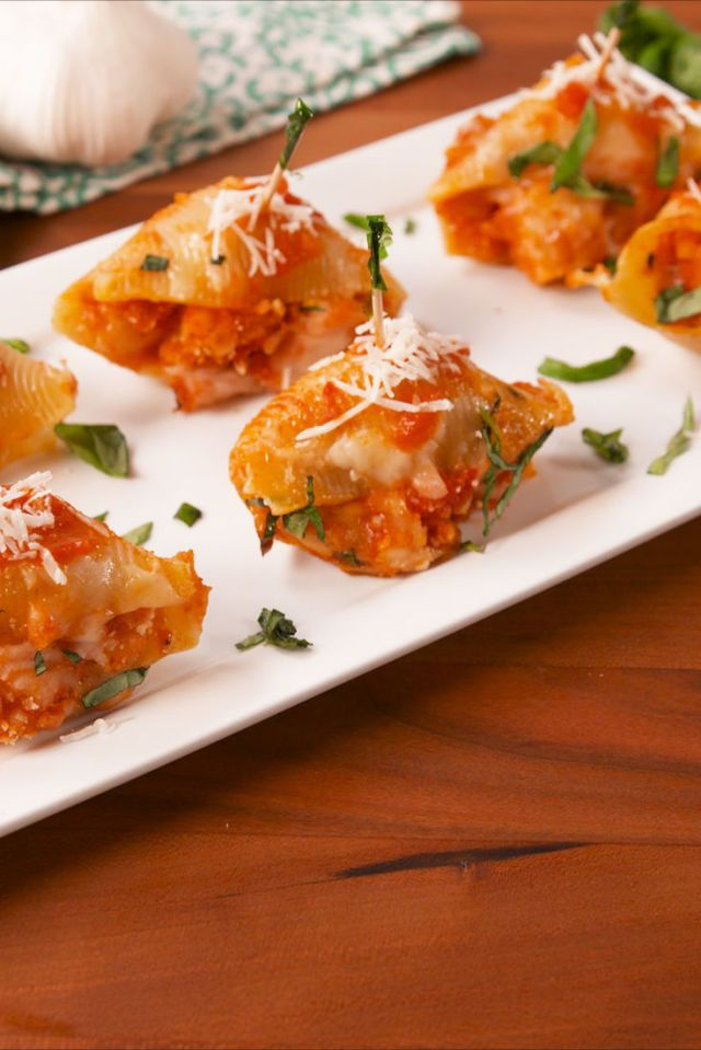 Chicken Parm Stuffed Shells. 25 Easy Appetizers for Memorial Day!