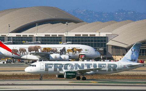 Airline, Aviation, Vehicle, Airplane, Air travel, Aircraft, Airliner, Aerospace engineering, Airport apron, Flight,