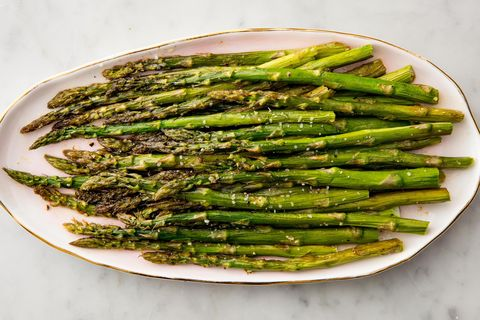 delish-roasted-asparagus