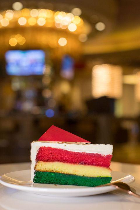 delish-italian-cookie-cheesecake