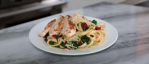Dish, Food, Cuisine, Ingredient, Bigoli, Capellini, Spaghetti aglio e olio, Italian food, Produce, Pasta,