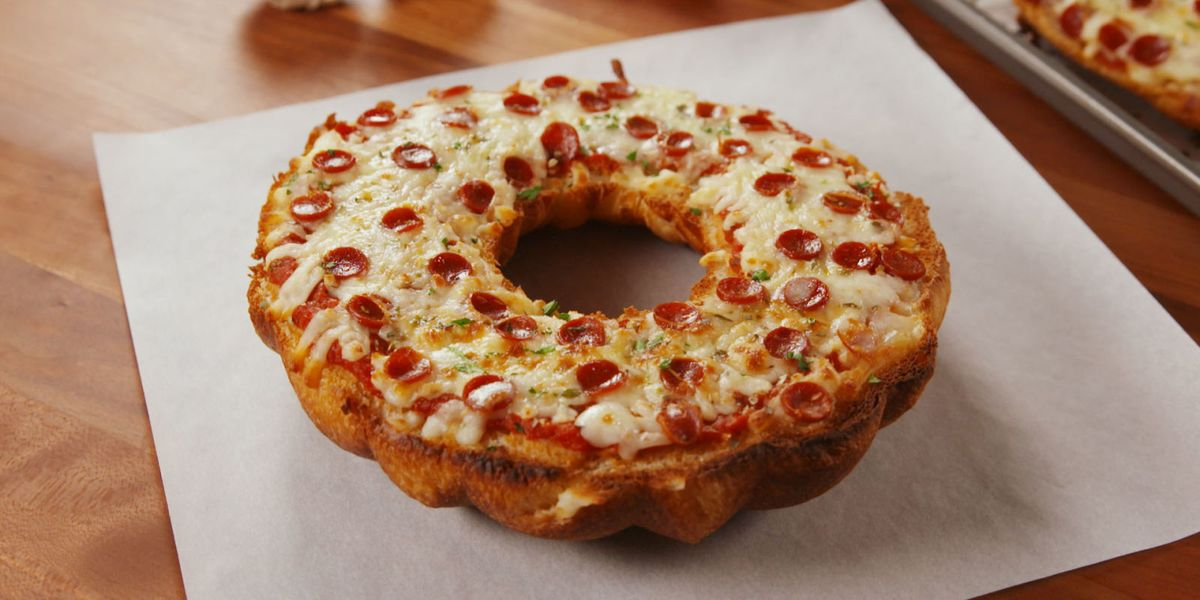 Best Giant Pizza Bagel Recipe How To Make Giant Pizza Bagel