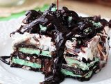 "<p>Oreos are no longer just for dunking. This cake uses the mint kind to create a refreshing, no-bake dessert that has ""hot summer day"" written all over it.</p>  <p><strong>Get the recipe at </strong><a href=""http://www.lifeloveandsugar.com/2014/02/27/mint-oreo-icebox-cake/"" target=""_blank""><strong>Life, Love, and Sugar</strong></a><strong>.</strong></p>"