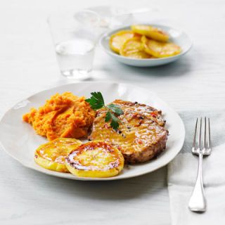 "<p>Grilled pork chops make a healthy and satisfying meal when paired with sweet glazed apples and mashed yams.</p> <p><strong>Recipe:</strong> <a href=""../../../recipefinder/grilled-pork-glazed-apples-yam-mash-recipe"" target=""_blank""><strong>Grilled Pork with Glazed Apples and Yam Mash</strong></a></p>"