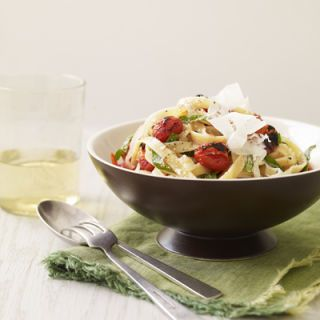 "<p>Broiled grape tomatoes and fresh herbs gives this easy pasta recipe a flavor boost.</p><p><b>Recipe: </b><a href=""http://www.delish.com/recipefinder/fettuccine-charred-grape-tomato-basil-marinara-recipe""><b>Fettuccine with Charred Grape Tomato-Basil Marinara</b></a></p>"