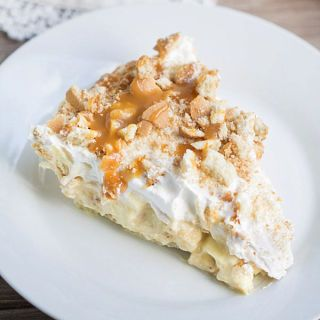 "<p></p> <p><strong>Get the recipe from <a href=""http://www.thisgalcooks.com/2014/07/24/best-ever-banana-pudding-pie/"" target=""_blank"">This Gal Cooks</a>.</strong></p>"