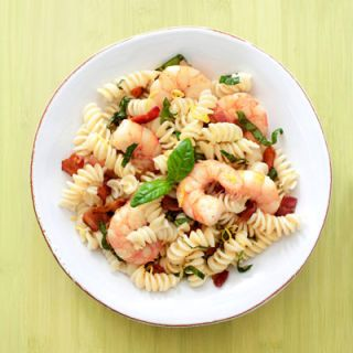 "Liven up pasta with succulent shrimp and savory bacon.<br /><br /><b>Recipe: <a href=""/recipefinder/rotini-shrimp-bacon-recipe"" target=""_blank"">Rotini with Shrimp and Bacon</a><br /><br />What you'll need:</b> rotini, bacon, lemon, shrimp, fresh basil"