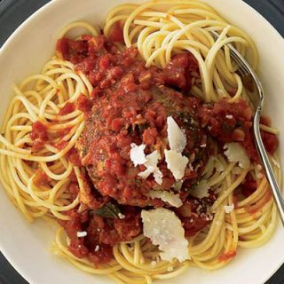 "<p>Make the meatball the focus of the meal with this delicious one-pan recipe. Slice leftover meatballs and use as a zesty filling for hearty meatball subs.</p><br /><p><b>Recipe: <a href=""/recipefinder/supersize-meatballs-in-marinara-sauce-recipe-743ab582-592f-4fb7-ba763ce4e4fab430"" target=""_blank"">Supersize Meatballs in Marinara Sauce</a></b></p>"