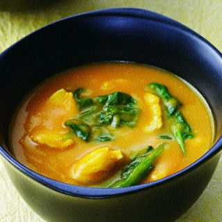 <p>Red Thai curry paste adds heat and depth of flavor to this simple soup. If you like, omit the chicken and spinach to make an even simpler first-course soup.</p><br />