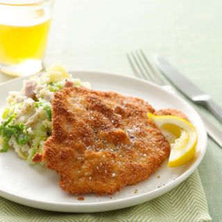 "A quick dip in panko breadcrumbs is the trick for creating a crispy pan-fried pork cutlet. Cabbage and Black Forest ham add texture and rich flavor to mashed Yukon Gold potatoes.<br /><br /><b>Recipe: <a href=""/recipefinder/crispy-pork-cutlets-cabbage-ham-recipe"" target=""_blank"">Crispy Pork Cutlets with Cabbage-Ham Mash</a></b>"