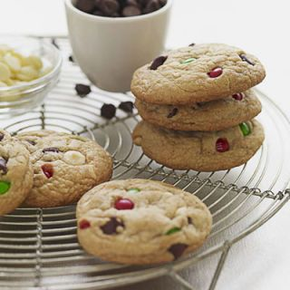 "A sprinkling of red and green M&Ms adds Christmas cheer to these easy from-scratch chocolate chip cookies.<br /><br /><b>Recipe: <a href=""/recipefinder/christmas-drops-cookie-recipes"" target=""_blank"">Christmas Drops</a></b>"