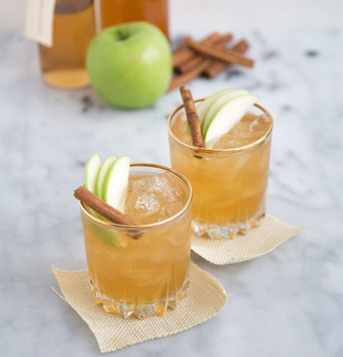 "<p></p> <p><strong>Get the recipe from <a href=""http://www.thelittleepicurean.com/2014/10/apple-pie-moonshine-cocktail-2.html"" target=""_blank"">The Little Epicurean</a>.</strong></p>"