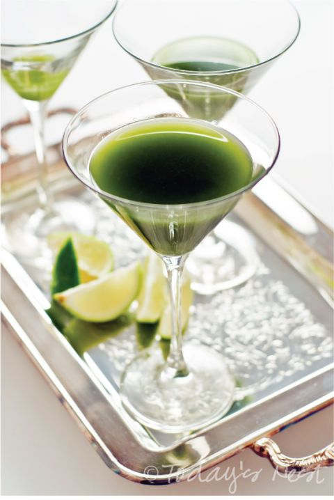"<p></p> <p><strong>Get the recipe from <a href=""http://www.todaysnest.com/todays-nest-1/2012/03/cocktail-of-the-month-matcha-green-tea-gimlet.html"" target=""_blank"">Today's Nest</a>.</strong></p>"