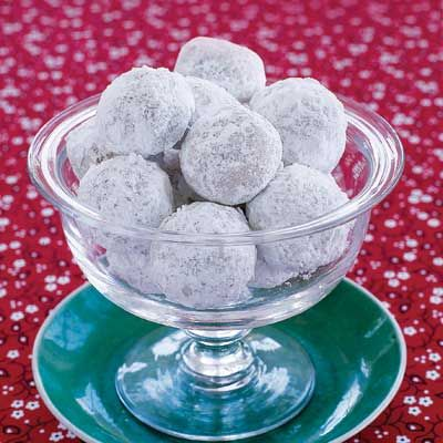 """<p>Round and sugar-dusted, walnut balls add variety to a cookie repertoire, and they're so easy! You'll be surprised by how yummy such a simple recipe can be.</p><br /><p><b>Recipe:</b> <a href=""""/recipefinder/walnut-balls-4265"""" target=""""_blank""""><b>Walnut Balls</b></a></p>"""