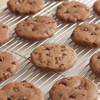 how to make easy homemade chocolate chip cookies