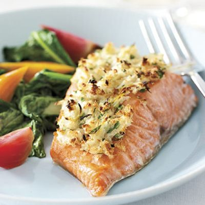 "<p>If possible, use freshly caught fish from a local purveyor for this dish.</p><p><b>Recipe: </b><a href=""/recipefinder/horseradish-crusted-wild-pacific-salmon-4005"" target=""_blank""><b>Horseradish-Crusted Wild Pacific Salmon</b></a></p>"