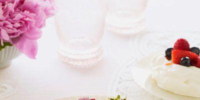 "<p>Grapefruit adds citrus appeal to these edible meringue serving vessels.</p><p><b>Recipe:</b> <a href=""/recipefinder/    grapefruit-meringue-berries-recipe-ghk0410""><b>Grapefruit Meringue Nests with Mixed Berries</b></a></p>"