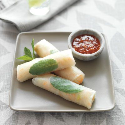 "<p>The rolls can be made at the table or prepared ahead of time and stored in the fridge for up to 3 hours. Cover them with a damp clean towel to keep them moist.</p><p><b>Recipe:</b> <a href=""/recipefinder/noodle-vegetable-rice-paper-rolls-recipe-del0512"" target=""_blank""><b>Noodle and Vegetable Rice Paper Rolls</b></a></p>"
