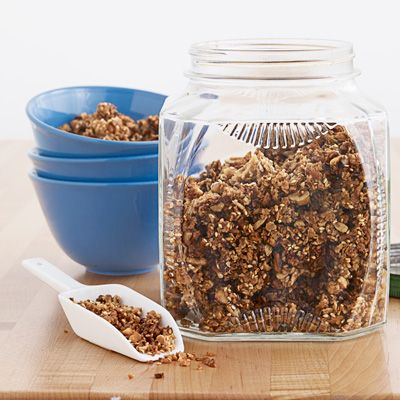"<p>Warm cinnamon and crunchy walnuts make a fantastic combination in this easy granola recipe.</p> <p><strong>Recipe:</strong> <a href=""../../../recipefinder/cinnamon-walnut-granola-recipe-clx1111"" target=""_blank""><strong>Cinnamon-Walnut Granola</strong></a></p>"