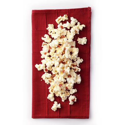 "<p>This quick and easy popcorn recipe — which calls for basic Italian ingredients like Parmesan, sun-dried tomatoes, and oregano — is a tasty snack that even the picky eaters in your home will savor.</p> <p><strong>Recipe:</strong> <a href=""../../../recipefinder/pizza-popcorn-recipe-opr0911"" target=""_blank""><strong>Pizza Popcorn</strong></a></p>"