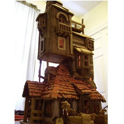 This fantastic gingerbread recreation of the Weasley family house from the Harry Potter series might be an imaginary building, but it's known and recognized by children and adults alike all over the world.
