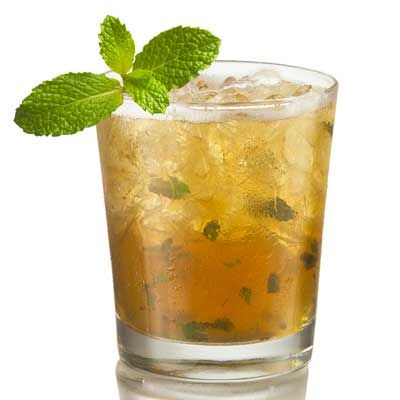 "<p>This mint-infused cocktail, often paired with Southern fare, has been the traditional drink of choice at the Kentucky Derby since 1938.</p><p><b>Recipe:</b> <a href=""/recipefinder/bulleit-mint-julep-cocktails"" target=""_blank""><b>Bulleit Mint Julep</b></a></p>"