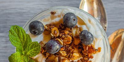 <p>This flax seed granola parfait calls for healthful, homemade flax seed granola, but in a pinch store-bought granola will do.</p>