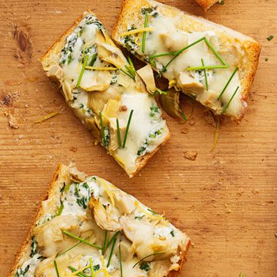 "<p>This creamy French bread pizza with fresh spinach, cream cheese, and artichoke is a weeknight dinner dream.</p> <p><b>Recipe: <a href=""http://www.delish.com/recipefinder/spinach-artichoke-pizza-recipe-ghk1013"" target=""_blank"">Spinach-Artichoke Pizza</a></b></p>"