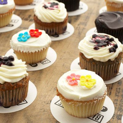 With America's cupcake obsession showing no signs of waning, talented pastry chefs at some of the best bakeries in the country are crafting outstanding variations with locally grown fruits, intense dark chocolate and other carefully selected ingredients.