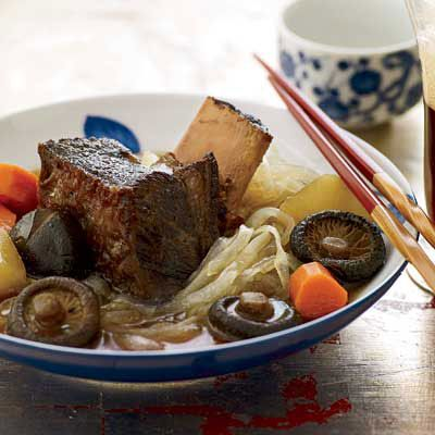 Korean food easy korean food recipes braised short ribs with daikon and glass noodles forumfinder Images