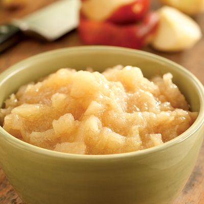 "<p>Turn fresh fall apples into delicious maple-and-cinnamon-spiked homemade applesauce with this easy recipe.</p><p><b>Recipe: </b><a href=""/recipefinder/maple-cinnamon-applesauce-recipe"" target=""_blank""><b>Maple-Cinnamon Applesauce</b></a></p>"