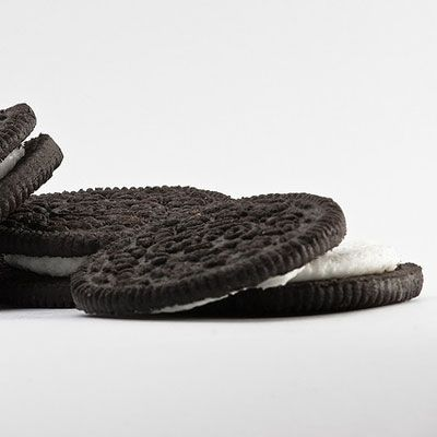 <p>Who stole the cookie from the cookie jar? In this case, it was a Walmart employee who was caught red-handed pilfering Oreos.</p>
