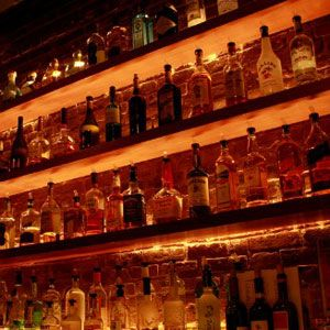 """<p>If you're splurging and going for the good stuff in your cocktail, make sure that's what you're actually drinking. Some bars in New Jersey were recently busted for serving the cheapest alcohols at top-shelf prices.</p><p><a href=""""http://www.delish.com/food/recalls-reviews/new-jersey-bars-raided""""><b>Read the Whole Story</b></a></p>"""