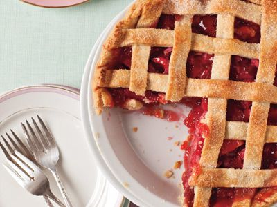 lattice-strawberry-rhubarb-pie-recipe-122644