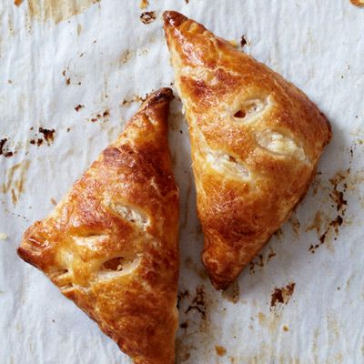 "<p>These sweet little pies have a lovely filling that combines tart and sweet apples with farmer cheese and cinnamon.</p> <p><strong>Recipe:</strong> <a href=""http://www.delish.com/recipefinder/apple-blintz-hand-pies-recipe-fw1012""><strong>Apple Blintz Hand Pies</strong></a></p>"