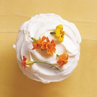 "<p>There's no need to perfect your piping skills to create beautiful flower-topped cupcakes. Instead, sprinkle them with a few fresh edible flowers that speak to the season.</p> <p><strong>Recipe: <a href=""http://www.delish.com/recipefinder/edible-flowers-cupcakes-recipe-mslo0414"">Edible-Flowers Cupcakes</a></strong></p>"
