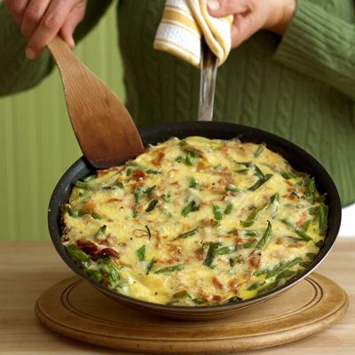 "<p>The classic ham and cheese combination gets a nutritious upgrade with protein-rich eggs and fresh green beans.</p><p><strong>Recipe:</strong> <a href=""http://www.delish.com/recipefinder/green-bean-ham-cheese-frittata-recipe-mslo0114""><strong>Green Bean, Ham, and Cheese Frittata</strong></a></p>"