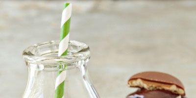 "<br /><br /> <p>Get the recipe at: <a href=""http://www.mybakingaddiction.com/tagalong-cupcakes/"">mybakingaddiction.com</a></p>"