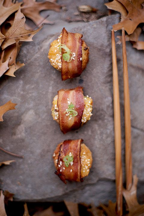 "<p>It's surf and turf time with these apps, which you can make right in the toaster oven.</p> <p>Get the recipe at <a href=""http://joylicious.net/2012/01/18/bacon-wrapped-shrimp-toast/"" target=""_blank"">Joylicious</a>.</p>"
