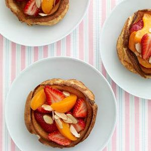 "<p>Warm, fluffy, and topped with a sprinkling of fresh fruit and sliced almonds — now that's the way to wake mom up on Mother's Day!</p> <p><strong>Recipe: <a href=""http://www.delish.com/recipefinder/strawberry-apricot-dutch-babies-recipe-122347"" target=""_blank"">Strawberry-Apricot Dutch Babies</a></strong></p>"