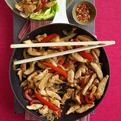 <p>A fun way to to turn a chicken stir-fry into finger food!</p>