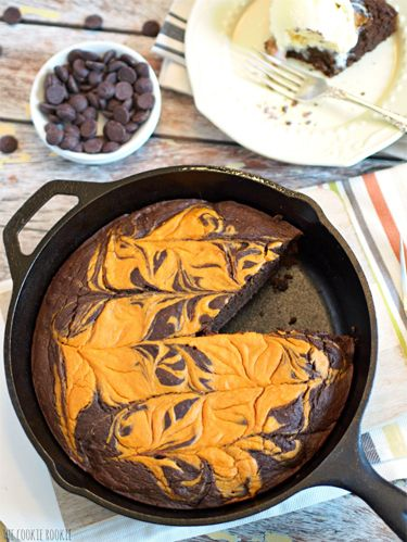 """<p>As if skillets weren't amazing enough, now you can use yours to make this fabulous fall dessert. </p> <p><strong>Get the recipe at <a href=""""http://www.thecookierookie.com/pumpkin-pie-skillet-brownie/"""" target=""""_blank"""">The Cookie Rookie</a>.</strong></p> <p><strong>RELATED: <a href=""""http://www.countryliving.com/cooking/about-food/pumpkin-and-chocolate-recipes#slide-1"""" target=""""_blank"""">17 Pumpkin and Chocolate Recipes</a></strong></p>"""