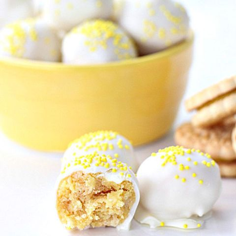 "<p> </p> <p><strong>Get the recipe from <a href=""http://www.sixsistersstuff.com/2014/09/no-bake-lemon-cookie-truffles-recipe.html"" target=""_blank"">Six Sisters' Stuff</a>.</strong></p>"