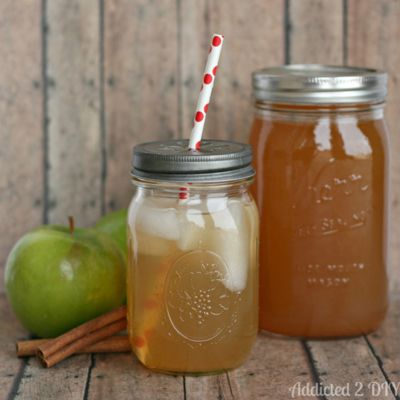 """<div class=""""imageContent""""> <p>One our favorite pies takes liquid form in this easy recipe.</p> <p><strong>Get the recipe at <a href=""""http://addicted2diy.com/2014/01/25/apple-pie-moonshine/"""" target=""""_blank"""">Addicted 2 DIY</a>. </strong> </p> </div>"""