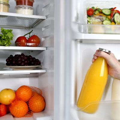 "<p>You vowed to hit the treadmill and clear your fridge of holiday leftovers as soon as the ball dropped, but are you sabotaging your New Year's resolution to lose weight? Take our weight loss IQ quiz to see if your ""healthy"" habits are actually hurting your waist size.</p>"